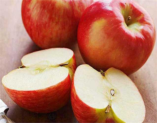 Táo: táo chứa hợp chất làm tăng tốc độ quá trình đốt cháy chất béo. Đó là lý do tại sao các lực sĩ thích ăn táo