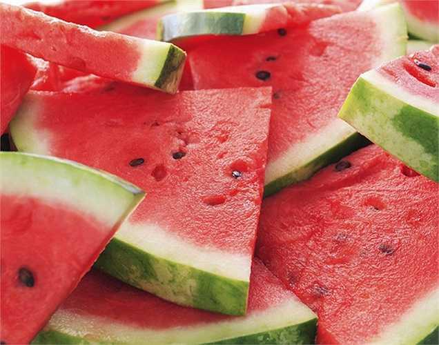 Dưa hấu giúp tăng tốc độ lưu thông máu trong cơ thể cái mà người luyện cơ bắp cần? Đó là lý do tại sao đây là một loại trái cây yêu thích của họ.