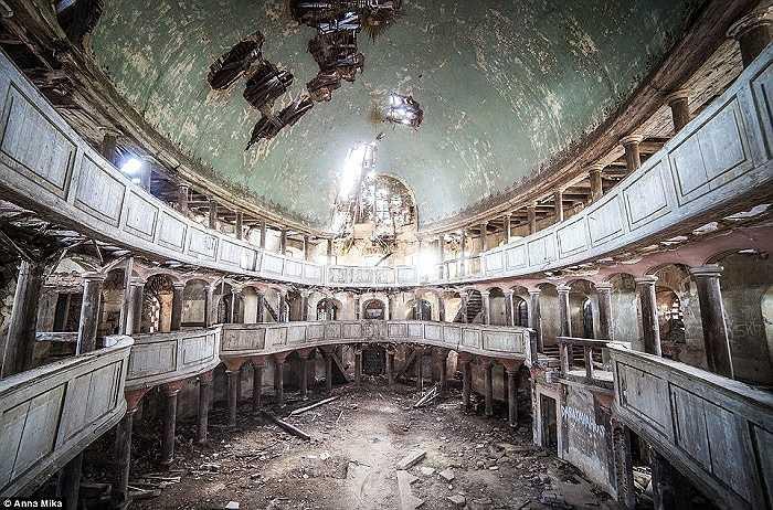 Một nhà thờ bị lãng quên ở Ba Lan