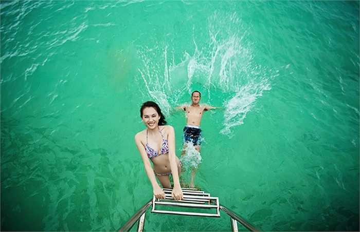 Siêu mẫu đình đám Ngọc Thạch từng khiến cư dân mạng 'chao đảo' bởi bộ ảnh cưới cực nóng bỏng tại thiên đường Maldives.