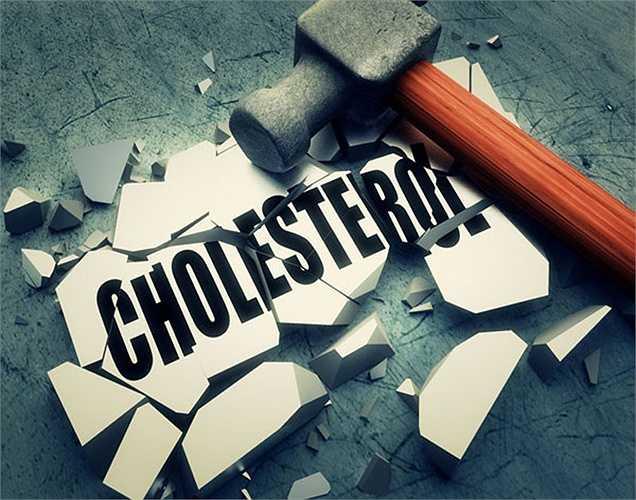 Giảm cholesterol: Tăng cholesterol là một mối quan tâm lớn trong khi sử dụng các loại dầu nấu ăn. Một trong những lợi ích sức khỏe của dầu cám gạo là có khả năng làm giảm cholesterol. Dầu cám gạo cũng giúp cơ thể cholesterol tốt.