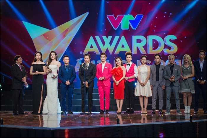 Mỗi người một vẻ nổi bật giữa dàn ê kíp sản xuất chương trình của VTV.