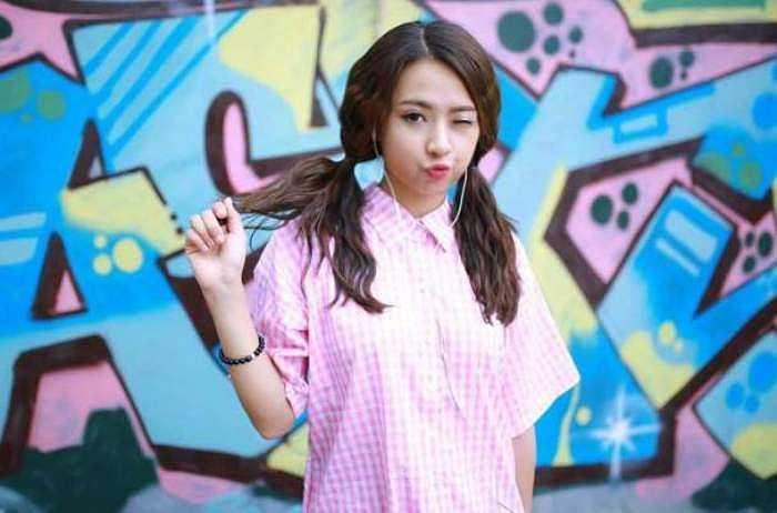 Minh Trang đang là một diễn viên khá nổi tiếng của thành phố hoa phượng đỏ