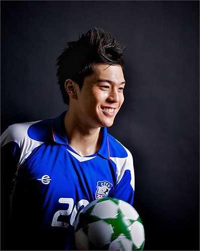 Những hình ảnh về Victor Chou trong vai trò một người mẫu.