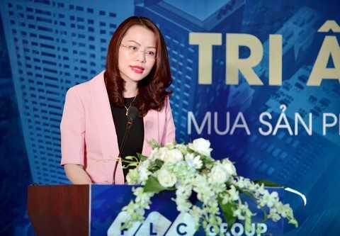 Bà Hương Trần Kiều Dung – Tổng giám đốc Tập đoàn FLC phát biểu tại buổi tri ân khách hàng