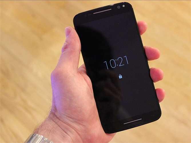 Moto X Pure - 400 USD - Moto X Pure là lời khẳng định rằng bạn không cần phải bỏ ra một khoản tiền khổng lồ để sở hữu một chiếc điện thoại mạnh mẽ. X Pure hoàn toàn hơn đứt một số điện thoại Android ở mức giá cao cấp