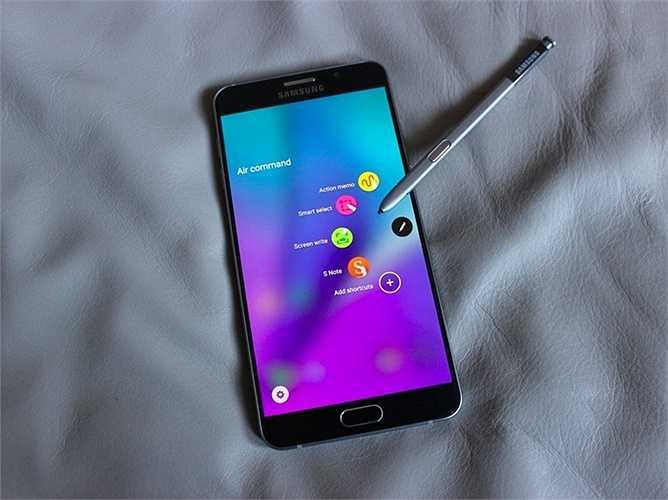 Samsung Galaxy Note 5 - 740 USD - Đẹp, to lớn, hiển thị tốt, camera hiện đại và phần mềm ổn định. Quá nhiều lý do để 'tậu' một chiếc Note 5