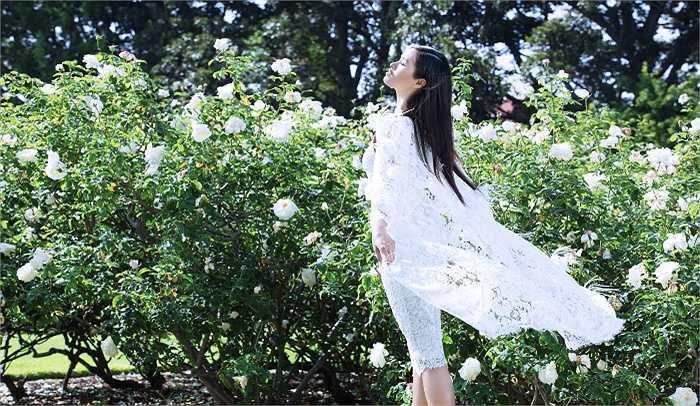 Trong những ngày tổ chức show diễn ở Mỹ, Đỗ Mạnh Cường đã có dịp mời người đẹp thực hiện bộ ảnh thời trang mới.