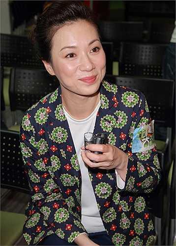 Sau vai An Xuyến, Trương Khả Di được chú ý với 'Pháp chứng tiên phong', 'Ông xã vạn tuế', 'Nấc thang tình yêu' (Thiên thê)... Những năm gần đây cô đóng phim của Trung Quốc đại lục, phim gần đây là 'Phong trung kỳ duyên', đóng cùng Lưu Thi Thi, Hồ Ca. Hồi đầu năm, người đẹp 45 tuổi lộ ảnh hẹn hò người đàn ông Trung Quốc lai Pháp, kém cô tám tuổi.