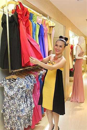 Chiếc váy trong đêm ra mắt thương hiệu thời trang của Mỹ Tâm.