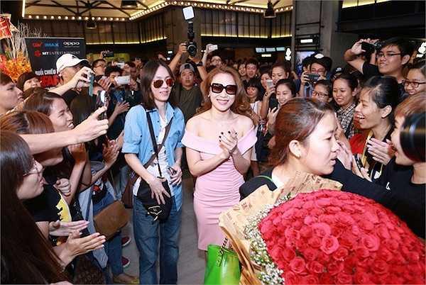 Thời gian gần đây, Mỹ Tâm thường xuyên xuất hiện cùng 'bạn trai tin đồn' của cô, nhà sản xuất âm nhạc Phạm Tuấn Bi.