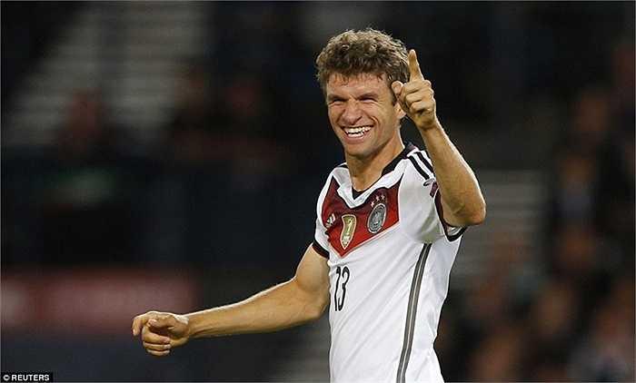 Tại đấu trường World Cup, mục tiêu phấn đấu của Muller cũng chính là san bằng kỷ lục của người đàn anh với 16 pha lập công ở các vòng chung kết. Hiện Muller đã có 10 bàn