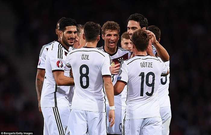 Với cú đúp vào lưới Scotland, Muller đã có tổng cộng 30 bàn thắng cho ĐT Đức. Mặc dù vậy, anh còn kém khá xa kỷ lục của Klose - 71 bàn