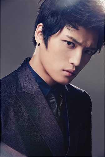 Kim Jae Joong sinh năm 1986 là thành viên nhóm nhạc JYJ - từng đến Việt Nam hồi năm ngoái