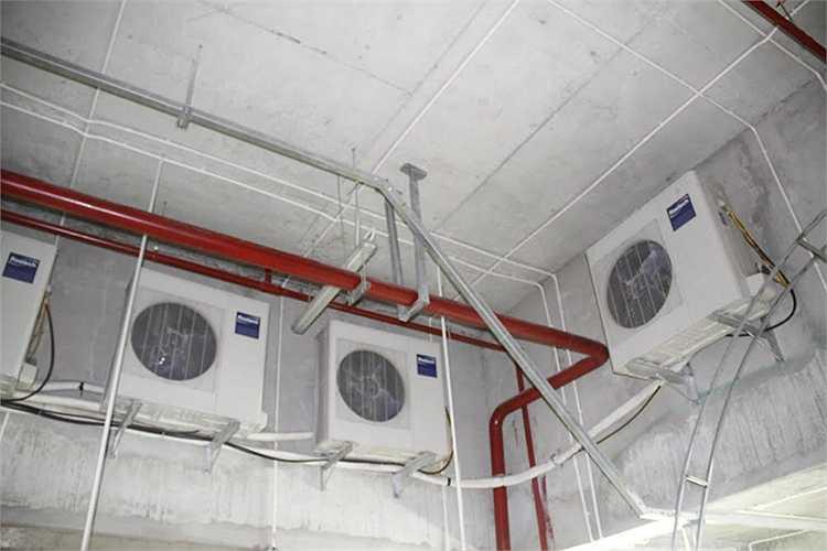 Hàng chục cục nóng điều hòa bố trí dưới tầng hầm gây ngột ngạt, nguy cơ cháy nổ cao