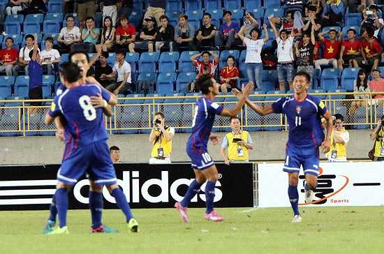 Đến phút 84, Đài Loan gỡ hòa bằng một pha không chiến sau đường treo bóng từ điểm đá phạt trước vạch 16m50. (Ảnh: VFF)