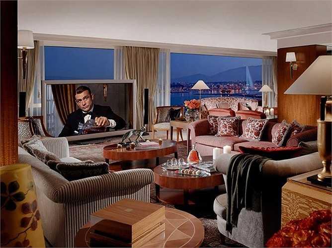 Royal Penthouse Suite tại khách sạn President Wilson, Geneva, Thụy Sĩ: Nằm trọn tầng 8 của khách sạn, bên trong có 12 phòng ngủ, 12 phòng tắm. Giá khoảng 65000 USD/đêm