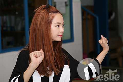 Khoảng thời gian này, lịch làm việc của Minh Hằng gần như dày đặc, cô phải lao động cật lực để kịp chuẩn bị cho tour diễn sắp tới.