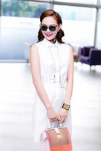 Vẻ ngoài xinh đẹp là một trong những yếu tố tạo nên thành công của Minh Hằng.