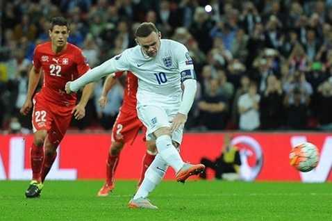 Rooney có bàn thứ 50 cho ĐT Anh