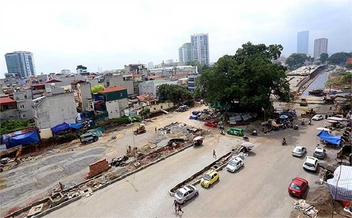 Dự án xây dựng đường vành đai 2 Hà Nội, đoạn Nhật Tân - Xuân La - Bưởi - Cầu Giấy dài 6,4 km có tổng mức đầu tư 304,7 triệu USD (tương đương 6,4 nghìn tỷ đồng). Được khởi công từ tháng 3/2012, đến nay dự án đã hoàn thành công tác giải phóng mặt bằng và hoàn thiện đoạn nối từ cầu Nhật Tân tới Xuân La, còn đoạn Xuân La - Bưởi - Cầu Giấy đang gấp rút những công đoạn cuối cùng.