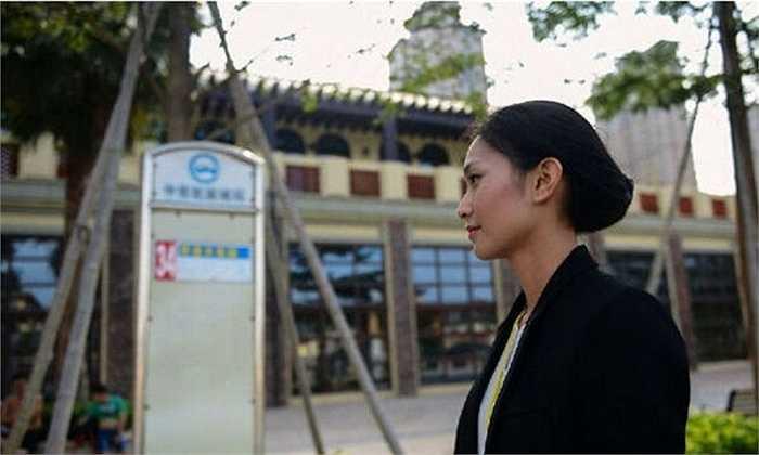 Mức hoa hồng mà các nhân viên như Azhu nhận được sau khi bán thành công một căn hộ là 10%