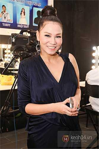 Thu Minh mới trở lại showbiz sau thời gian nghỉ sinh con. Nữ ca sỹ nhanh chóng lấy lại vóc dáng và nhan sắc.