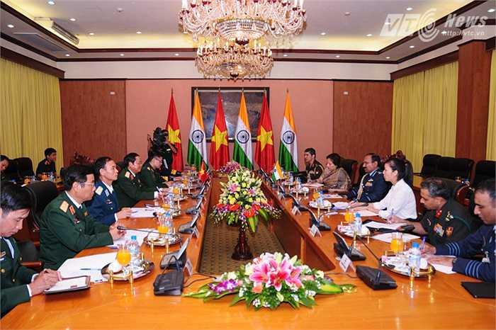 Hai đoàn cấp cao quân đội Việt Nam - Ấn Độ hội đàm