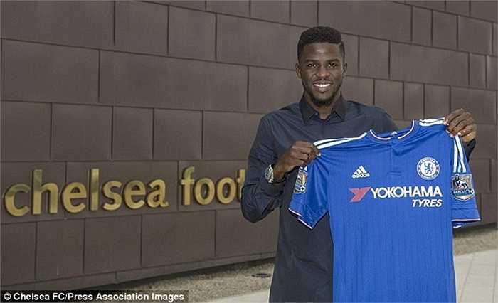 Papy Djilobodji chuyển đến Chelsea với giá 3 triệu bảng và được coi là phương án dự phòng cho hàng thủ già cỗi của The Blues. Chưa chắc tân binh này sẽ được ra sân ngay nhưng 1 suất dự bị gần như là trong tầm với của anh