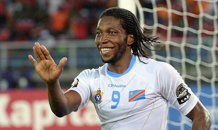Dieumerci Mbokani là 1 ẩn số của Norwich. 'Chim hoàng yến' hỏi mượn thành công tuyển thủ người Congo từ Dynamo Kiev nhưng khả năng săn bàn kém cỏi của anh tại Ukraine chưa thể làm yên lòng các CĐV Norwich
