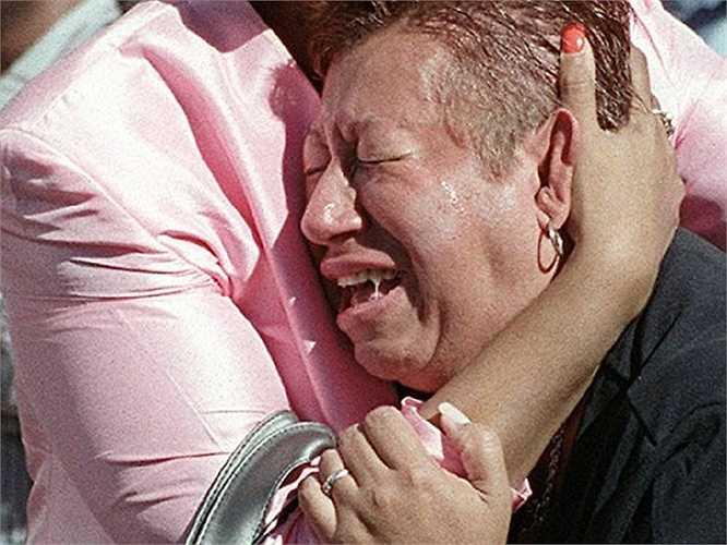 Những giọt nước mắt của người thân nạn nhân