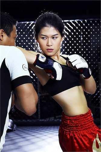 Ngọc Thanh Tâm được biết đến sau bộ phim   'Hiệp sĩ mù'. Khác với hình ảnh dịu dàng, nữ tính thường thấy, nàng đả nữ vừa xuất hiện trong một bộ ảnh thể thao đầy mạnh mẽ, cá tính.