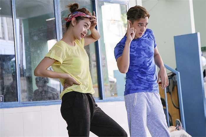 Minh Hằng và Ngô Kiến Huy vừa có buổi tập luyện cho Campus Tour 2015.