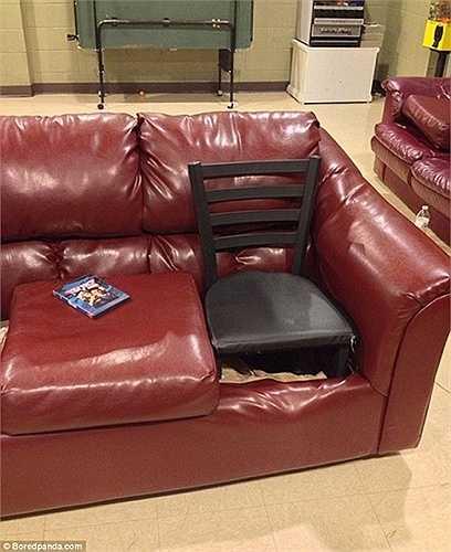 Mọi thứ đều có thể thay thế, kể cả ghế hỏng