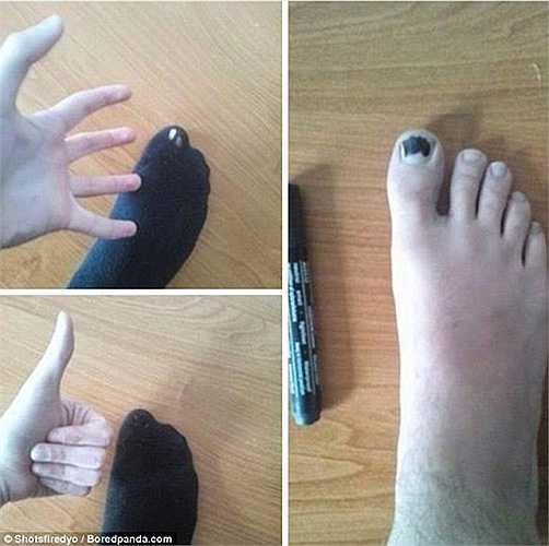 Sơn đen móng chân để che tất thủng