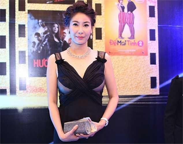 Cựu hoa hậu kiêm diễn viên Hà Kiều Anh gây sốc tại lễtrao giải Cánh diều vàng 2014 vào tối 12/3/2014 tại TP HCM. Người đẹp của những bộ phim điện ảnh Việt gây chấn động một thời vẫn mặn mà khi xấp xỉ tuổi 40.
