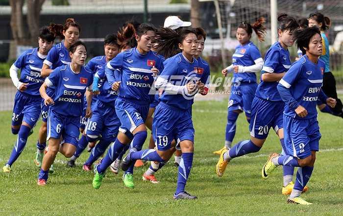 Tại thành phố Mandalay, đội tuyển nữ Việt Nam được sắp xếp ở khách sạn Mandalay Hill Resort cùng với các đối thủ Thái Lan, Đài Bắc – Trung Quốc và Jordan.
