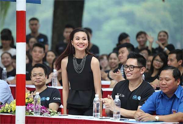 Chiến dịch Toàn dân đội mũ bảo hiểm đạt chuẩn năm nay do Trung ương Hội LHTN Việt Nam phối hợp với Ủy ban An toàn giao thông Quốc gia, thành Đoàn Hà Nội thực hiện.