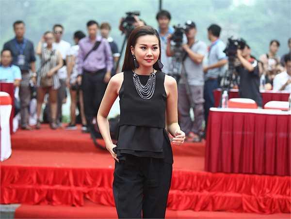 Ca sĩ Phạm Anh Khoa, Min (St 319) và Minh Chuyên - giải Nhất cuộc thi Sao Mai điểm hẹn 2010 đồng hành cùng chiến dịch và tham gia biểu diễn vài tiết mục.