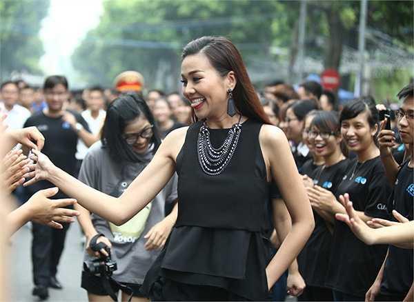 Trong khuôn khổ chương trình, Xuân Bắc, Thanh Hằng, Phạm Anh Khoa đã cùng tham gia đi bộ quanh Bờ Hồ để hưởng ứng chiến dịch.