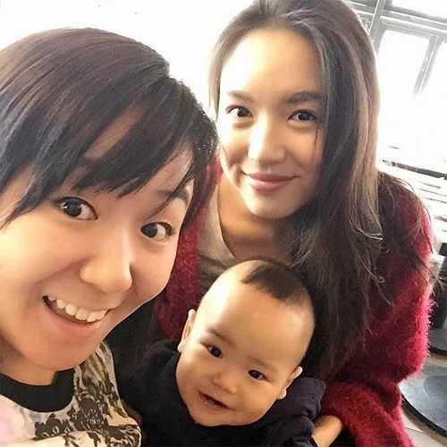 Thậm chí mặt mộc của cô còn tươi tắn và trẻ trung hơn nhiều so với khi trang điểm. Có thể nói Trương Tử Lâm là một trong những ngôi sao hiếm hoi có gương mặt mộc xinh đẹp nhất trong làng giải trí Hoa ngữ.