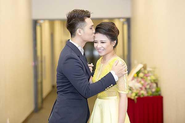Dương Hoàng Yến thậm chí còn được giám đốc âm nhạc của Peabo Bryson cho số điện thoại và sẵn sàng cho cô mọi lời khuyên về âm nhạc.