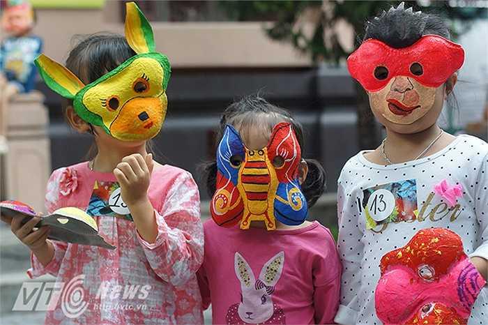 Theo TS. Trang Thanh Hiền (Chủ nhiệm dự án), thoạt nhìn thì những chiếc mặt nạ Trung thu của trẻ con có vẻ như chỉ là những vật dụng mua vui đêm rằm cho các bé. Nhưng thực chất, mỗi hình tượng được làm, được chơi lại mang những thông điệp văn hóa rất rõ ràng.