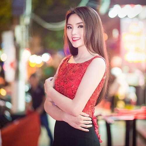 Cô thi đỗ lớp Pháp 1, khoa Kinh tế Đối ngoại, Đại học Ngoại thương với số điểm 25. Khả năng nói tiếng Pháp của Kỳ Duyên nhận được nhiều lời khen ngợi.