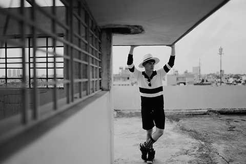 Chính tài năng vũ đạo đã giúp Lâm Vinh Hải mang đến nét khỏe khoắn cho từng bức ảnh.