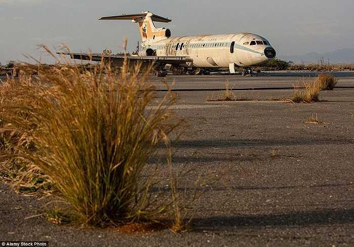Mặc dù bị hư hỏng nặng nhưng chiếc máy bay này vẫn được giữ gìn và bảo vệ cho đến tận bây giờ
