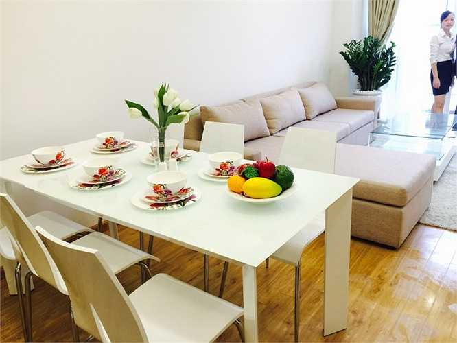 Đây là căn hộ tại tầng 10 - dự án Golden Palace C3 Lê Văn Lương. Theo chủ căn hộ, chi phí để làm toàn bộ phần nội thất của căn hộ chỉ khoảng 180 triệu đồng