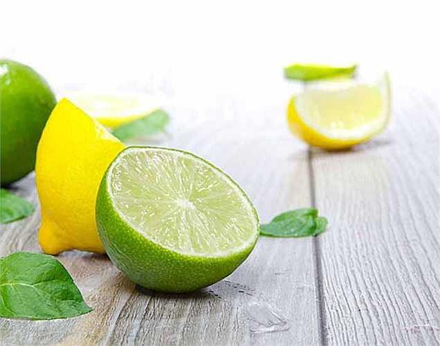 Chanh đóng góp vitamin C là thành phần  quan trọng đối với khả năng miễn dịch. Ngoài ra, các axit citric giúp cân bằng độ pH của cơ thể. Hãy lấy 3 trái chanh nhỏ.