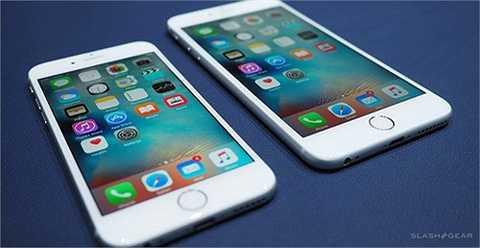 So với dòng iPhone 6, Apple đã tạo sự khác biệt ở tính năng chụp ảnh trên hai mẫu iPhone 6S và 6S Plus.Đơn cử là sự xuất hiện của tính năng Retina Flash hứa hẹn giúp tăng độ sáng màn hình lên gấp 3 lần để hoạt động như đèn flash trợ sáng trong những thao tác chụp ảnh tự sướng .