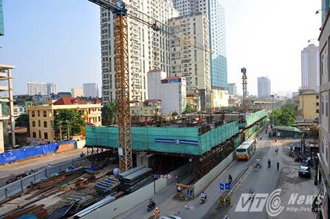 Lô cốt trên đường Trần Phú, đoạn qua bến xe Hà Đông cũ được mở cửa vào sáng 11/9